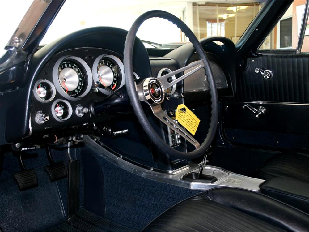 1963 CHEVROLET CORVETTE COUPE - Interior - 71767