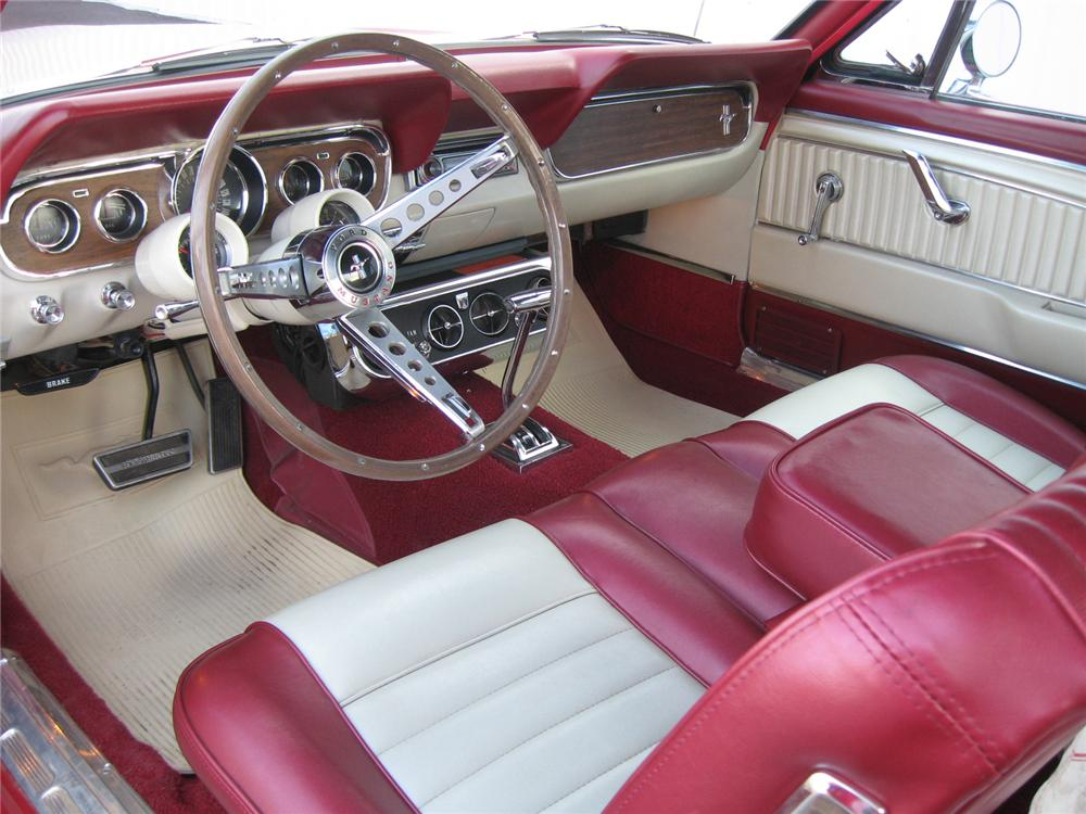 1966 FORD MUSTANG CONVERTIBLE - Interior - 71820