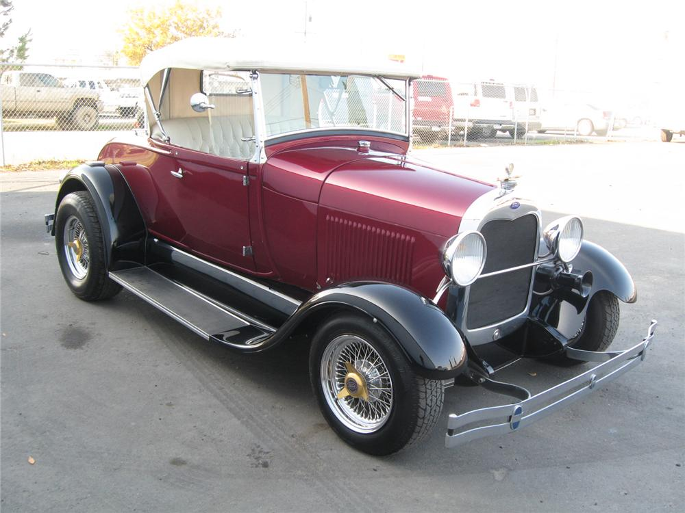 1928 FORD ROADSTER CONVERTIBLE - Front 3/4 - 71821