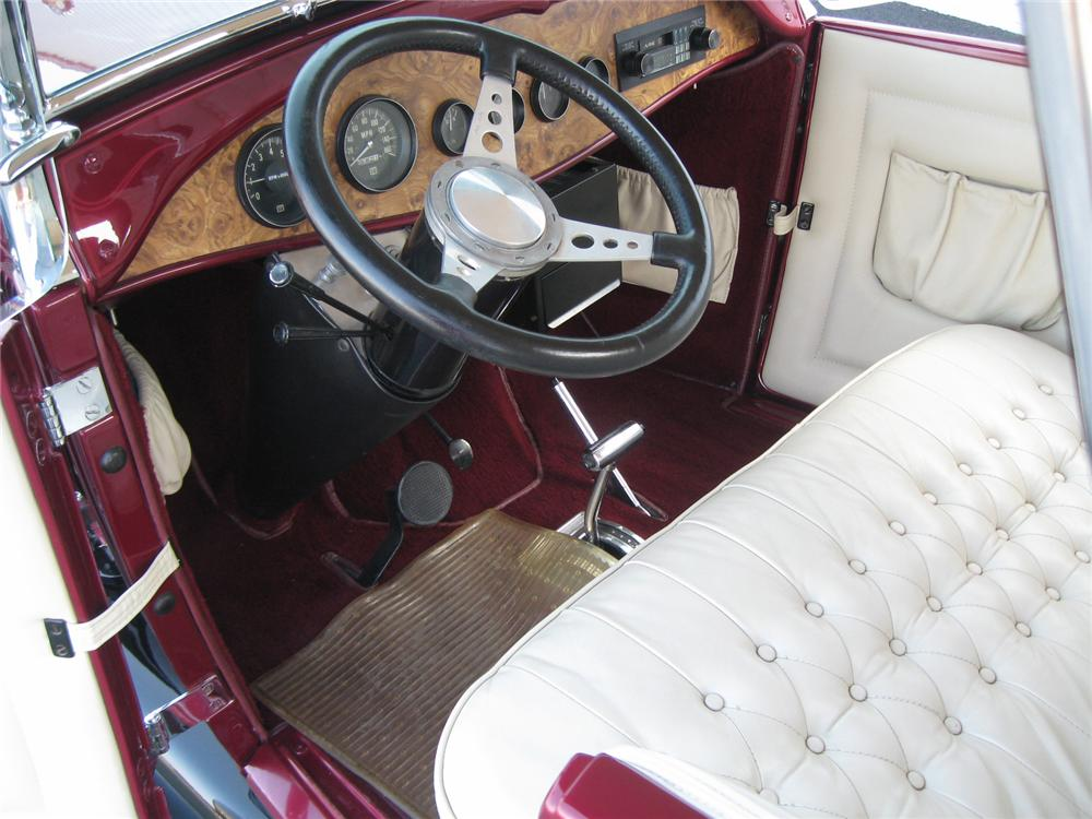 1928 FORD ROADSTER CONVERTIBLE - Interior - 71821