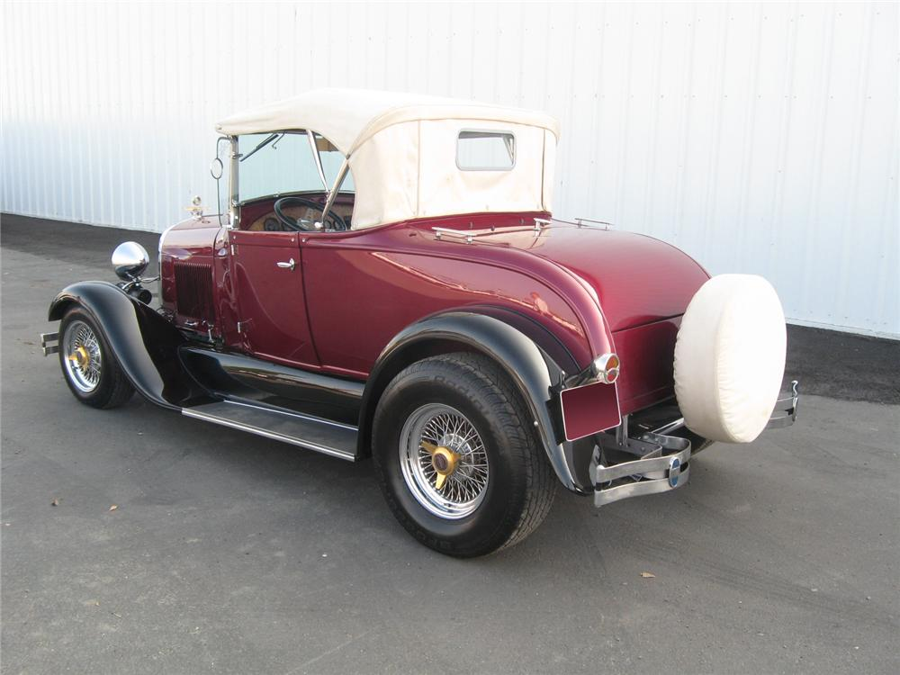 1928 FORD ROADSTER CONVERTIBLE - Rear 3/4 - 71821