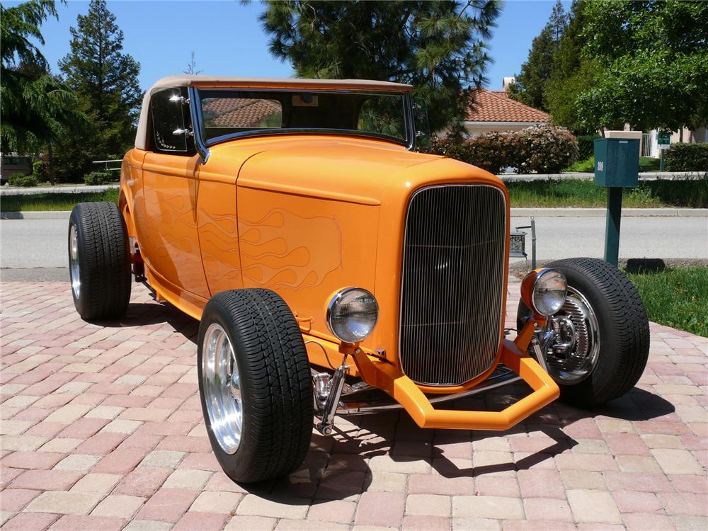 1932 FORD HI-BOY ROADSTER - Front 3/4 - 71842