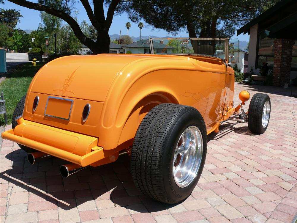 1932 FORD HI-BOY ROADSTER - Rear 3/4 - 71842