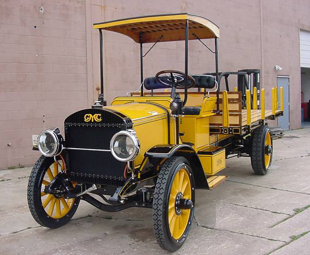 1916 GMC STAKE TRUCK - Front 3/4 - 71882