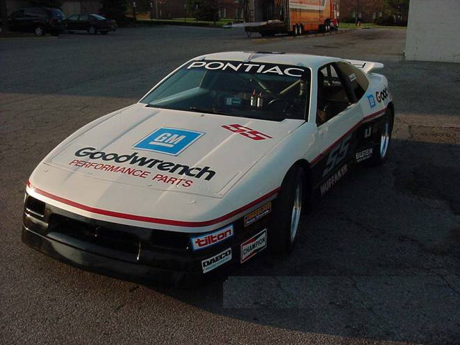 0 PONTIAC FIERO GOODWRENCH RACE CAR - Front 3/4 - 71896