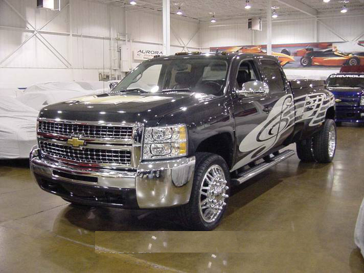 "2007 CHEVROLET SILVERADO ""COUNTRY MUSIC"" - Front 3/4 - 71999"