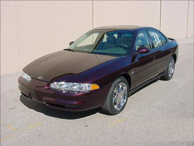 "2002 OLDSMOBILE INTRIGUE ""THE LAST 2002"" - Front 3/4 - 72019"