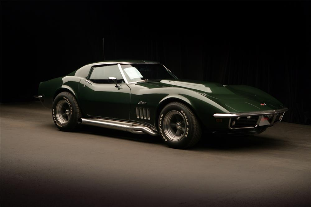 1969 CHEVROLET CORVETTE COUPE - Front 3/4 - 72040