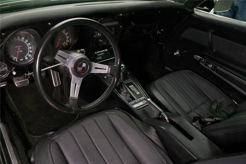 1969 CHEVROLET CORVETTE COUPE - Interior - 72040