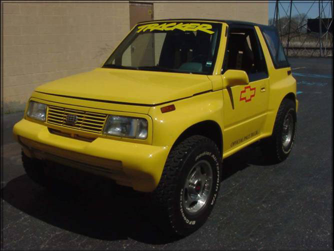 "1991 GEO TRACKER ""DIRT"" CUSTOM - Front 3/4 - 72045"
