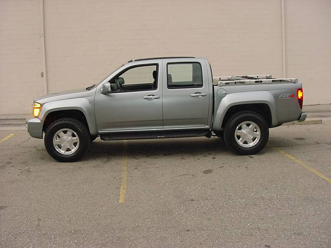 "2004 GMC CANYON ""KAYAK"" TRUCK - Front 3/4 - 72052"