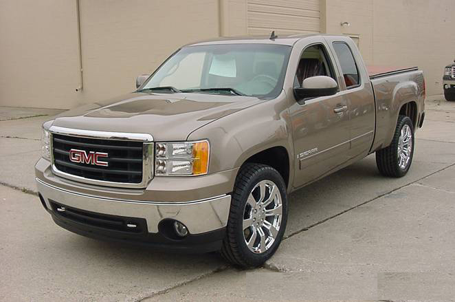 "2007 GMC SIERRA ""TEXAS EDITION"" - Front 3/4 - 72061"