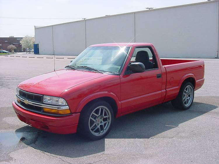 "2002 CHEVROLET S-10 ""LITTLE RED"" TRUCK - Front 3/4 - 72073"