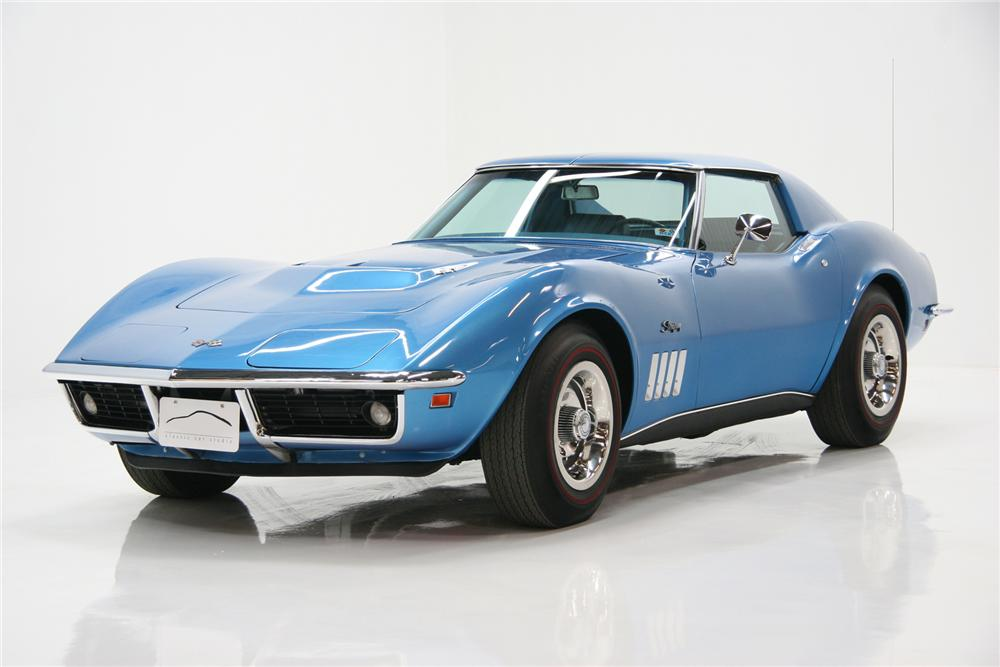 1969 CHEVROLET CORVETTE COUPE - Front 3/4 - 72084