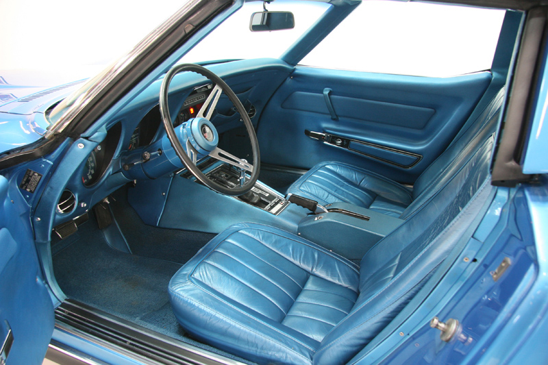 1969 CHEVROLET CORVETTE COUPE - Interior - 72084
