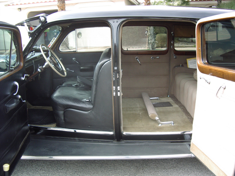 1939 CADILLAC 7533 IMPERIAL TOURING SEDAN - Interior - 72363