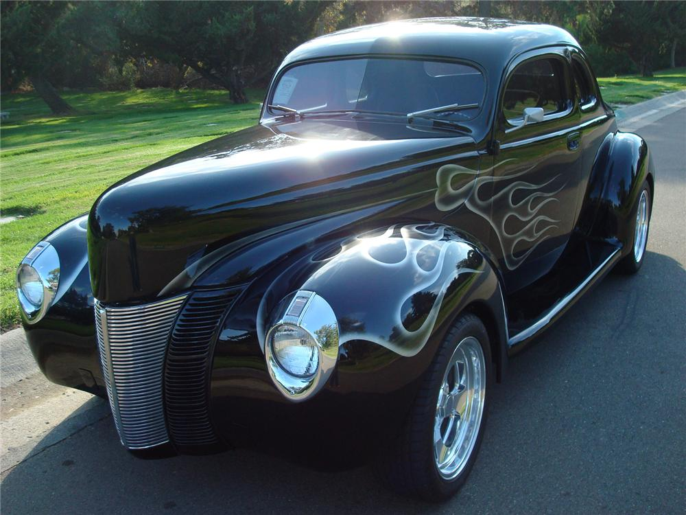 1940 FORD CUSTOM 2 DOOR COUPE - Front 3/4 - 72441