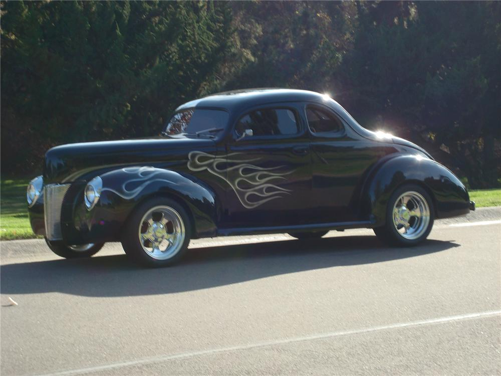 1940 FORD CUSTOM 2 DOOR COUPE - Side Profile - 72441