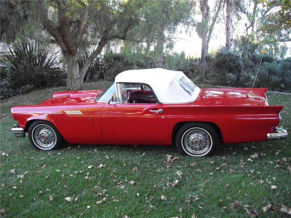 1957 FORD THUNDERBIRD CONVERTIBLE - Side Profile - 72753