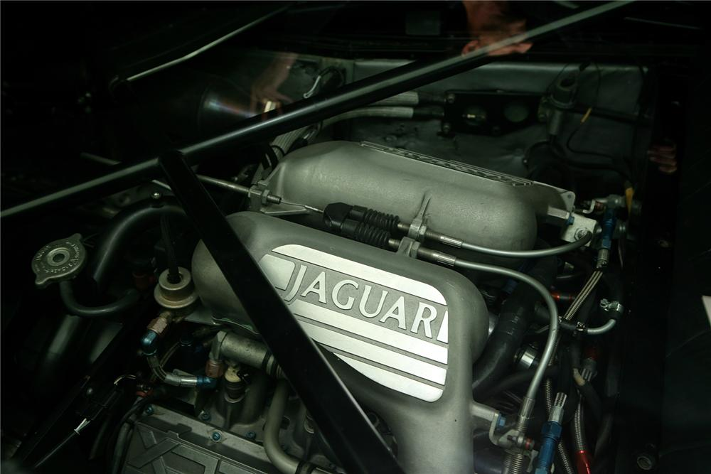 1993 JAGUAR XJ 220 2 DOOR HARDTOP - Engine - 72814