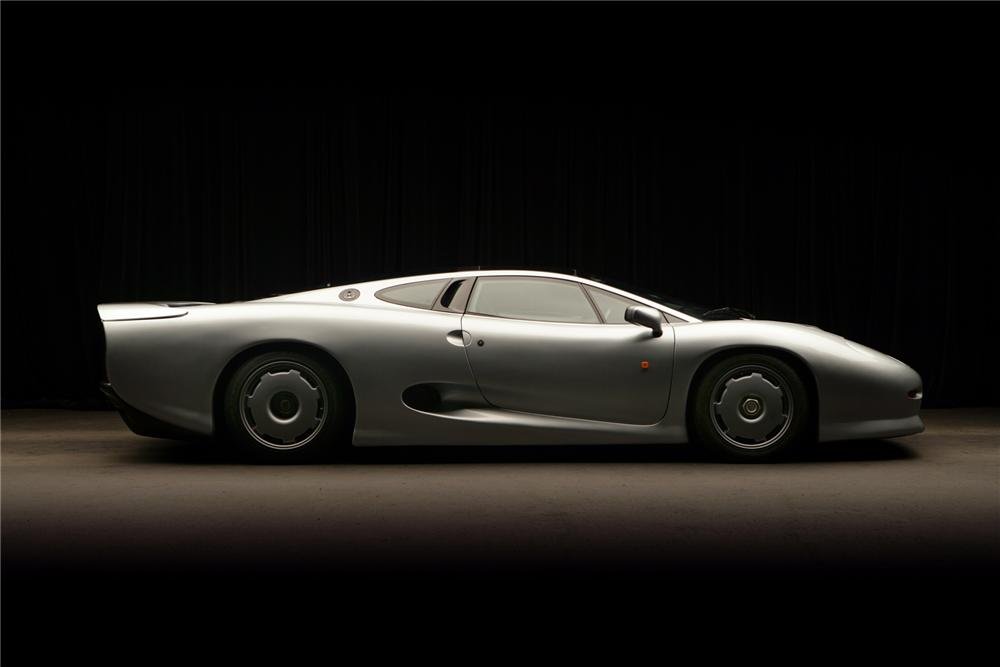 1993 JAGUAR XJ 220 2 DOOR HARDTOP - Side Profile - 72814