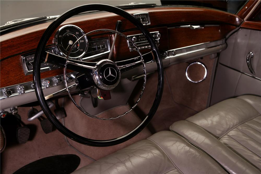 1955 MERCEDES-BENZ 300SC COUPE - Interior - 72824