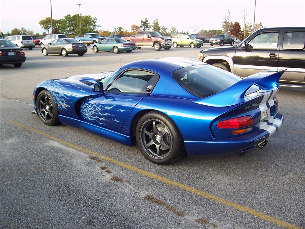 1996 DODGE VIPER GTS TWIN-TURBO COUPE - Rear 3/4 - 74995