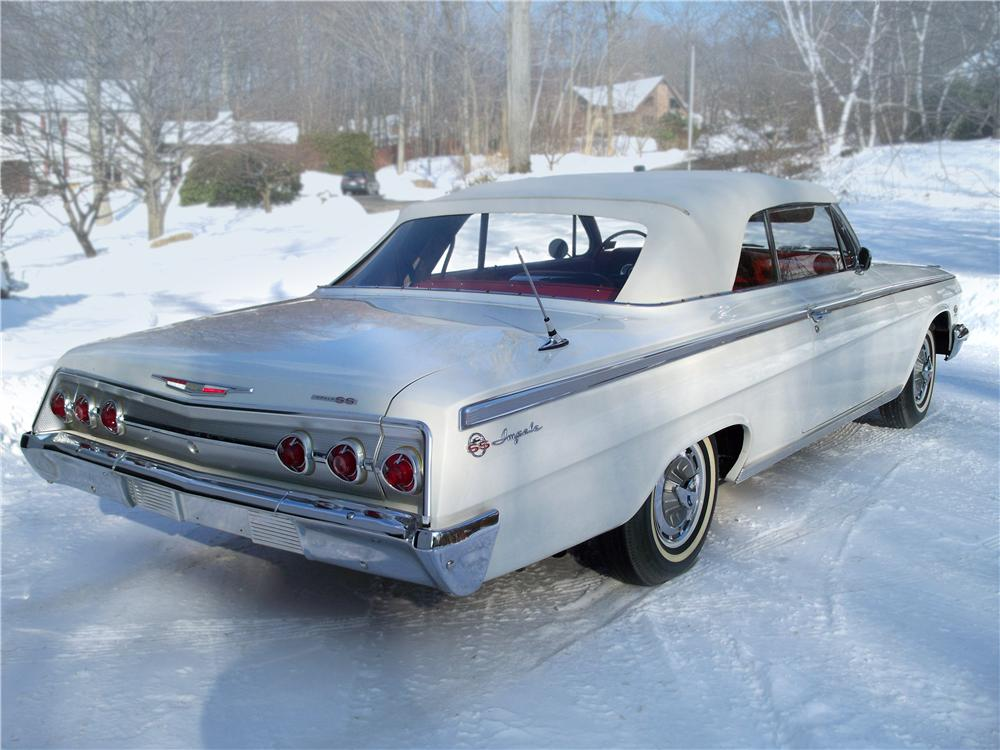 1962 CHEVROLET IMPALA SS 409 CONVERTIBLE - Rear 3/4 - 75014
