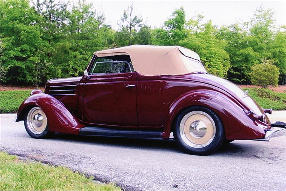 1936 FORD CABRIOLET CUSTOM CONVERTIBLE - Rear 3/4 - 75020