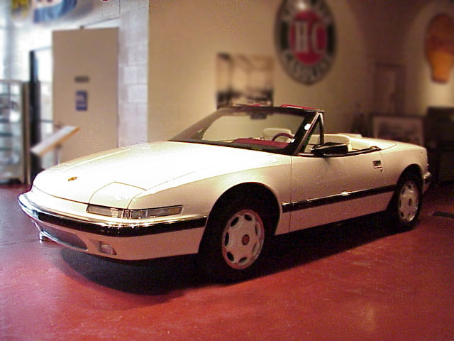 1990 BUICK REATTA CONVERTIBLE - Front 3/4 - 75055