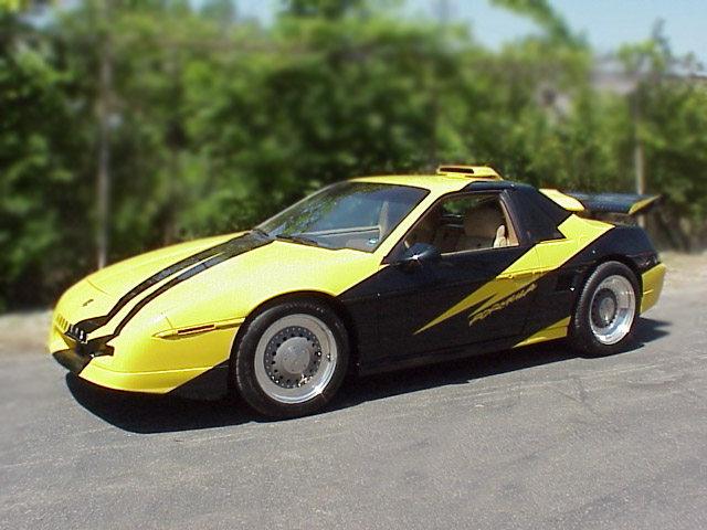1987 PONTIAC FIERO CUSTOM COUPE - Front 3/4 - 75056