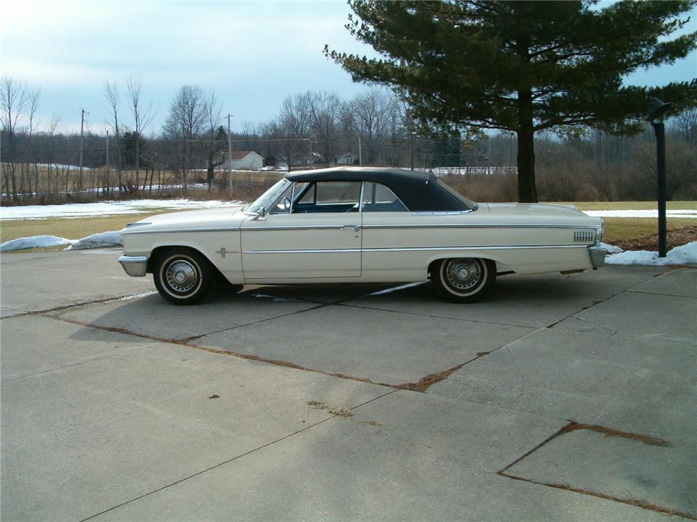 1963 FORD GALAXIE 500 CONVERTIBLE - Side Profile - 75066