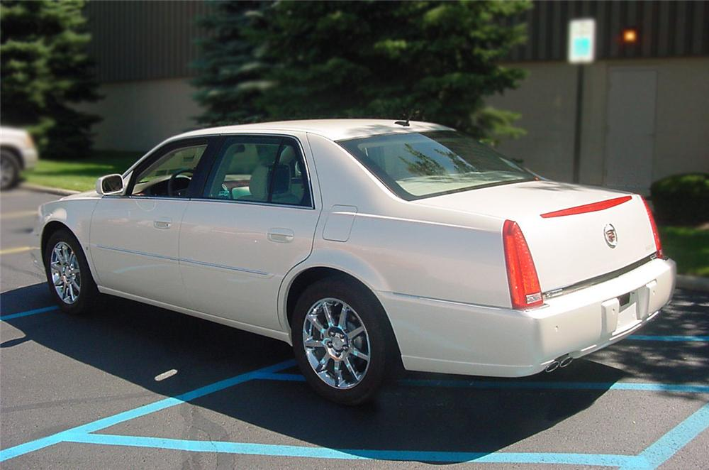 2006 CADILLAC DTS COUPE - Front 3/4 - 75083