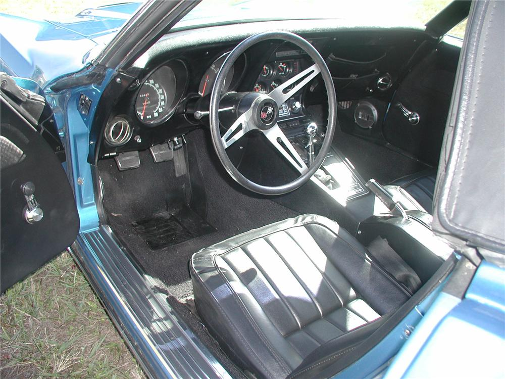 1969 CHEVROLET CORVETTE CONVERTIBLE - Interior - 75111
