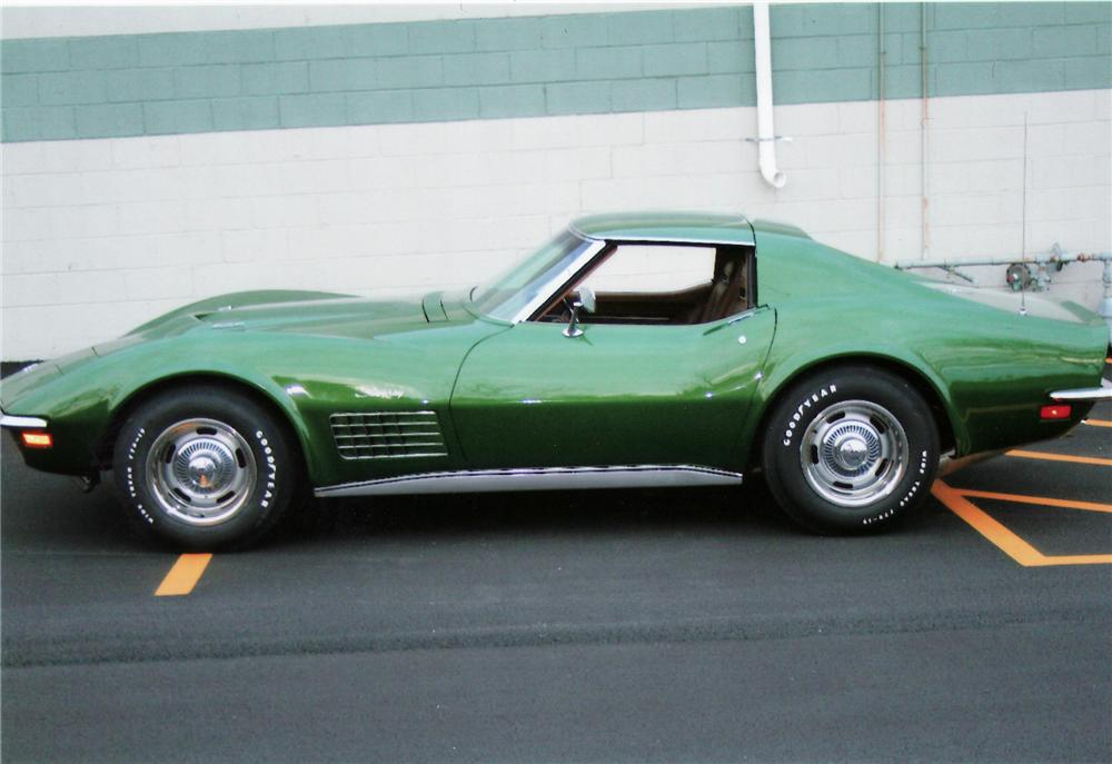 1972 CHEVROLET CORVETTE COUPE - Side Profile - 75112