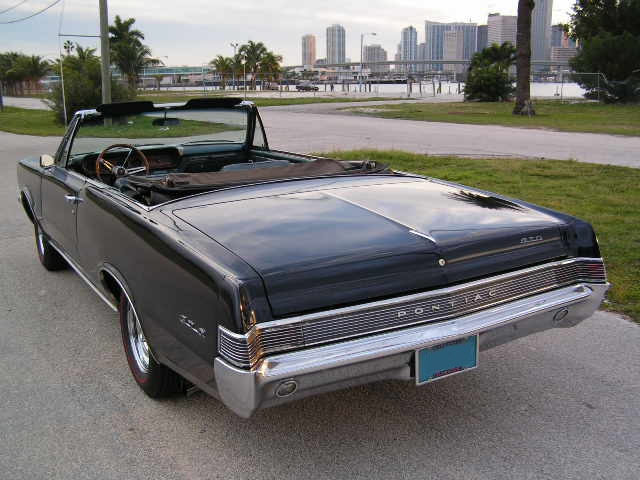 1965 PONTIAC GTO CONVERTIBLE RE-CREATION - Rear 3/4 - 75115