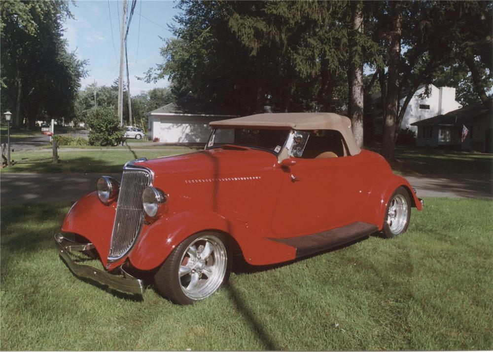1934 FORD CUSTOM ROADSTER - Front 3/4 - 75117