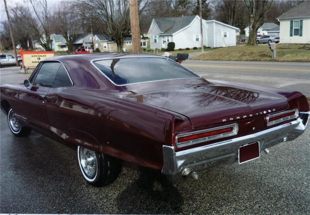 1966 PONTIAC BONNEVILLE COUPE - Rear 3/4 - 75145