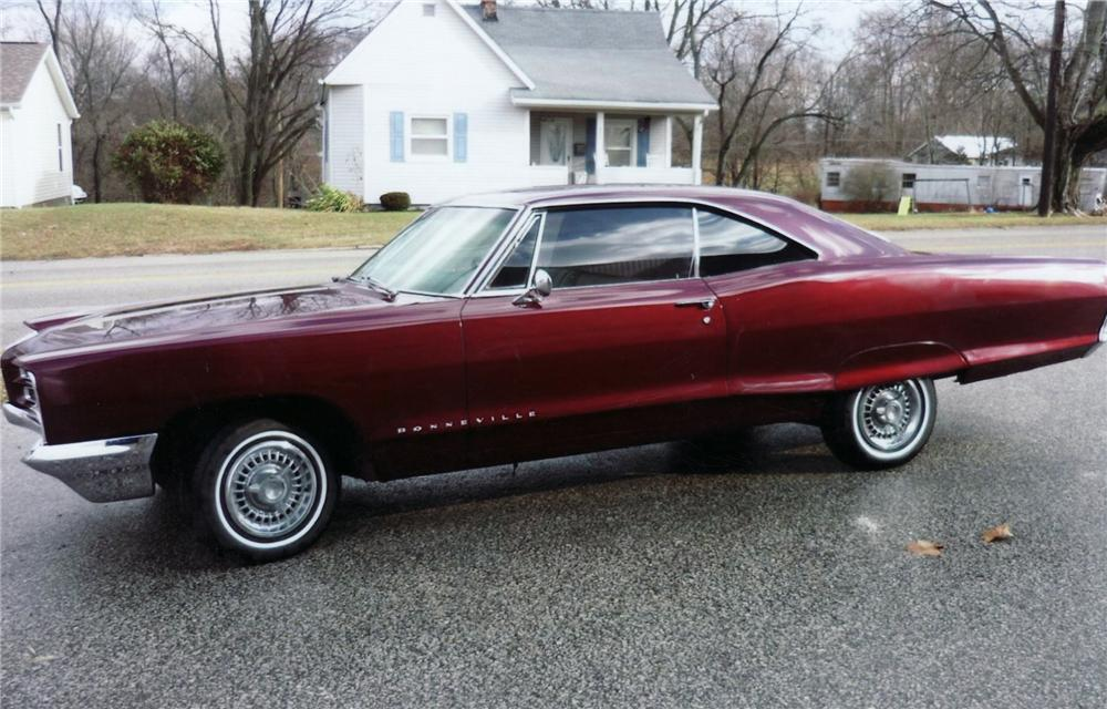 1966 PONTIAC BONNEVILLE COUPE - Side Profile - 75145