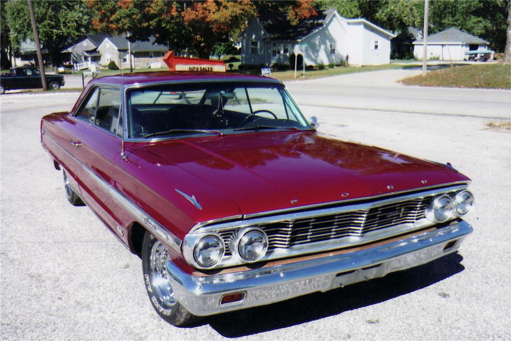 1964 FORD GALAXIE 500 XL FASTBACK - Front 3/4 - 75146