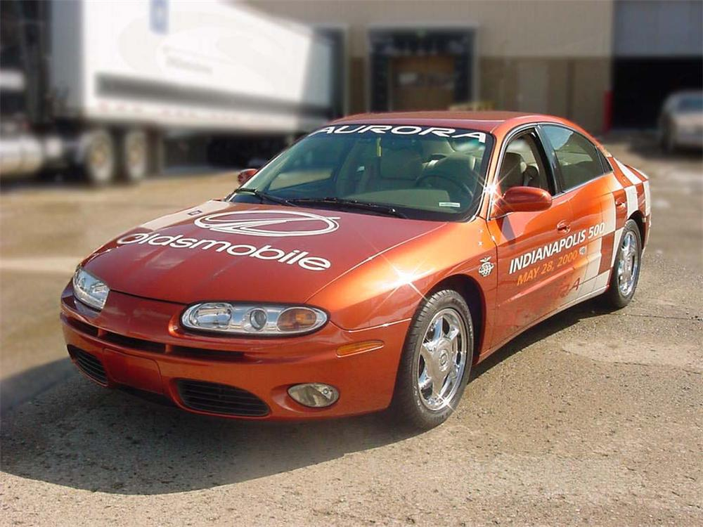 2001 OLDSMOBILE AURORA INDY 500 PACE CAR #1 - Front 3/4 - 75172