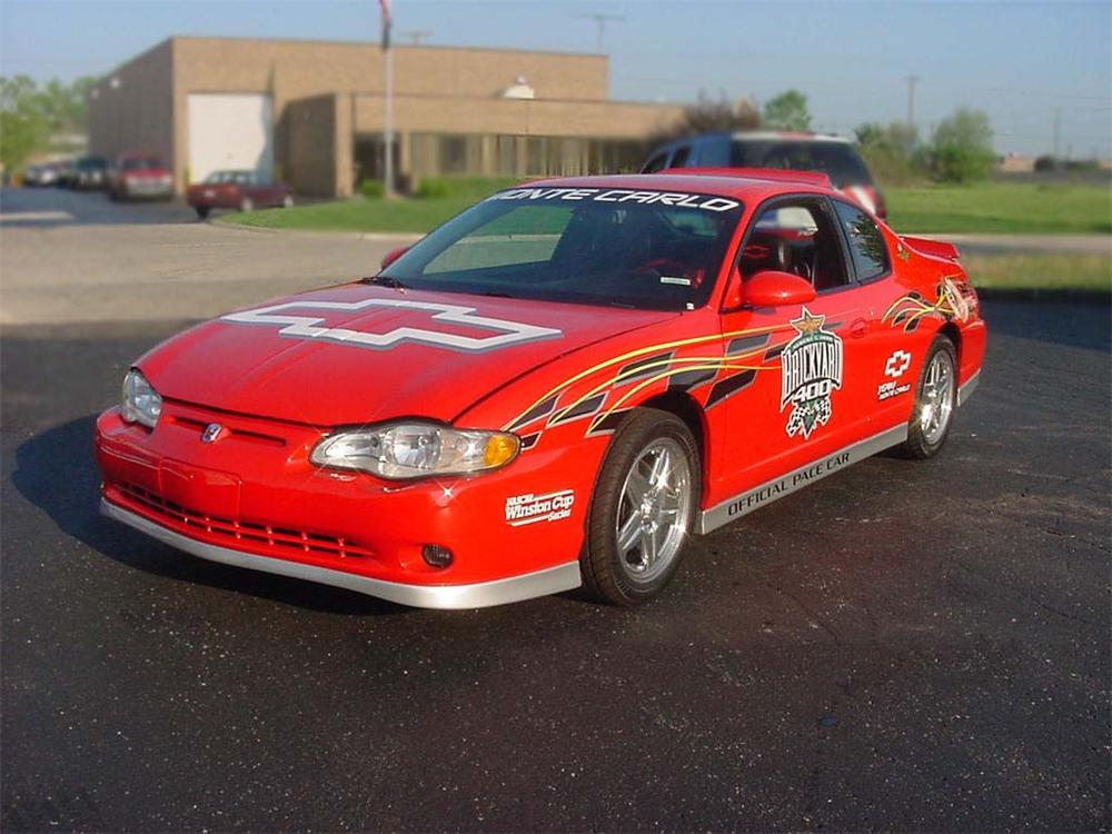 2000 CHEVROLET MONTE CARLO BRICKYARD 400 PACE CAR #2 - Front 3/4 - 75185