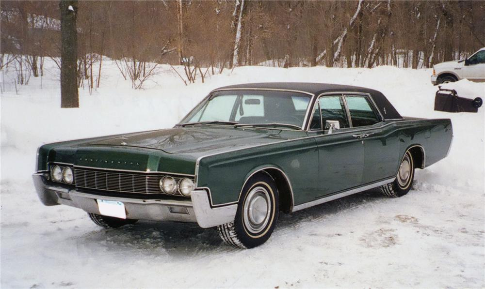 1967 LINCOLN CONTINENTAL 4 DOOR SEDAN - Front 3/4 - 75228