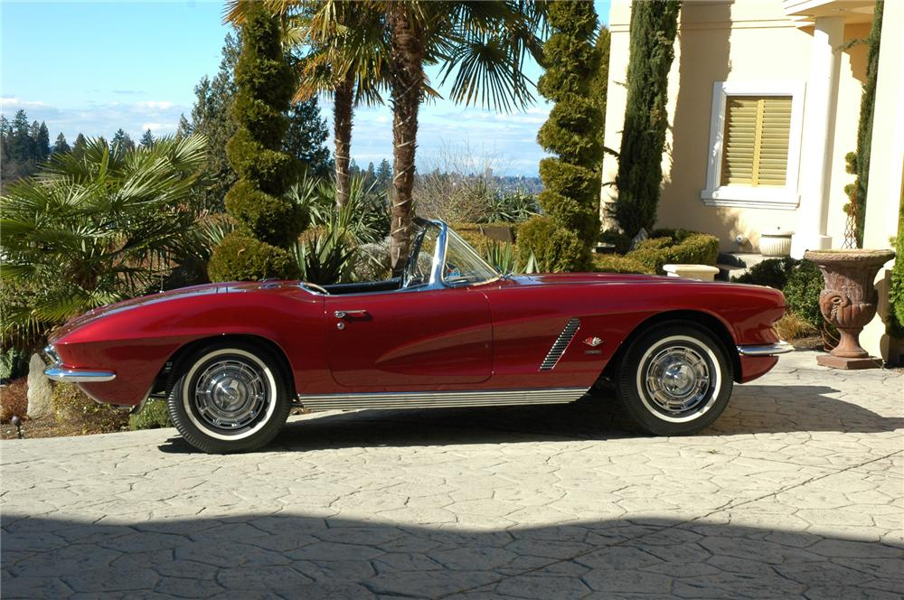 1962 CHEVROLET CORVETTE FI CONVERTIBLE - Side Profile - 75246