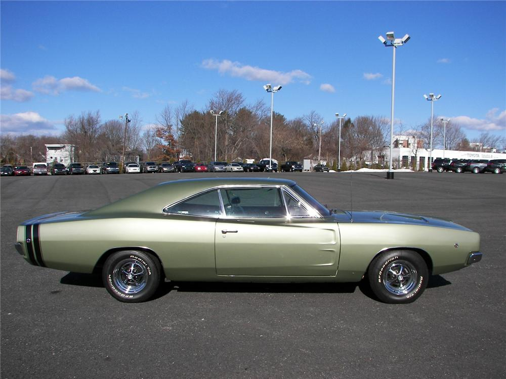 1968 DODGE CHARGER R/T COUPE - Side Profile - 75268