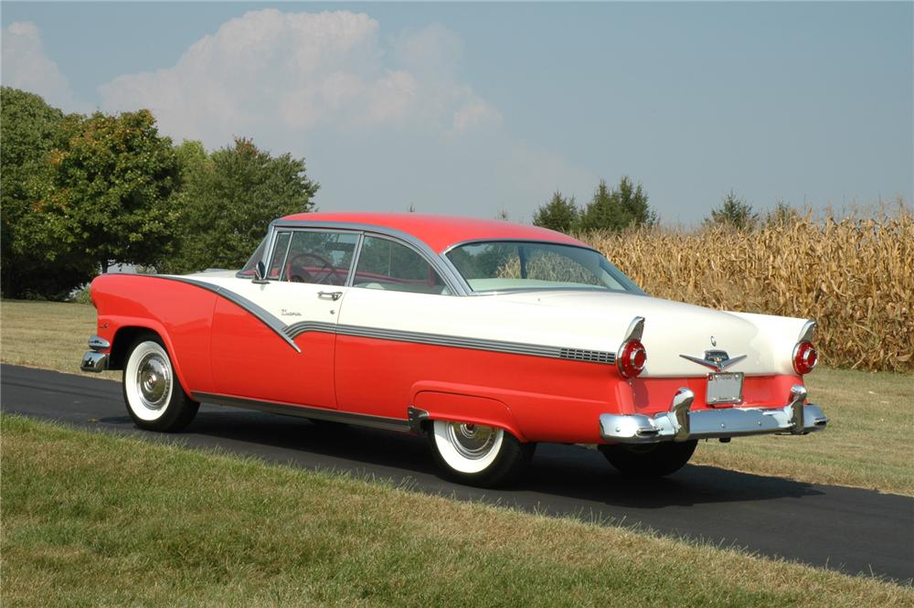 1956 FORD VICTORIA 2 DOOR HARDTOP - Rear 3/4 - 75278
