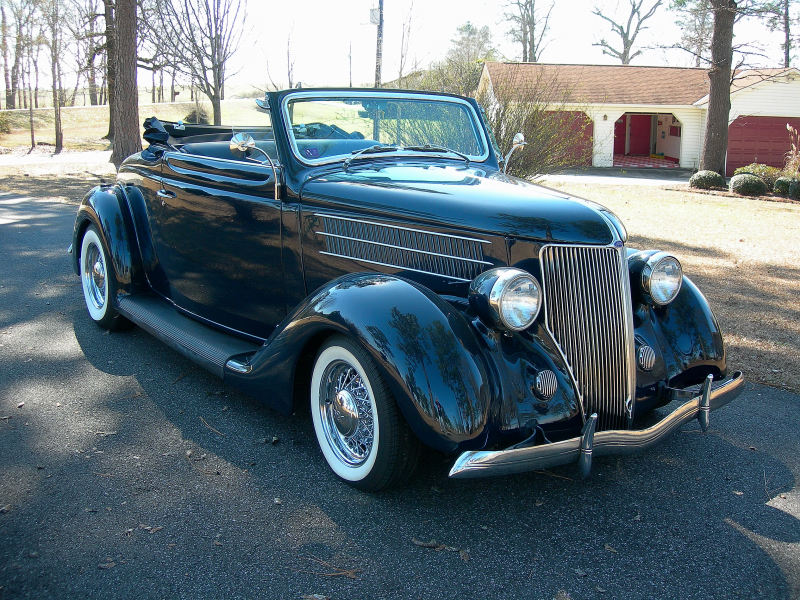 1936 FORD CUSTOM CABRIOLET - Front 3/4 - 75287