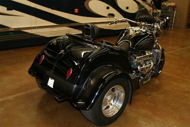 2005 BOSS HOSS CUSTOM TRIKE - Rear 3/4 - 75293