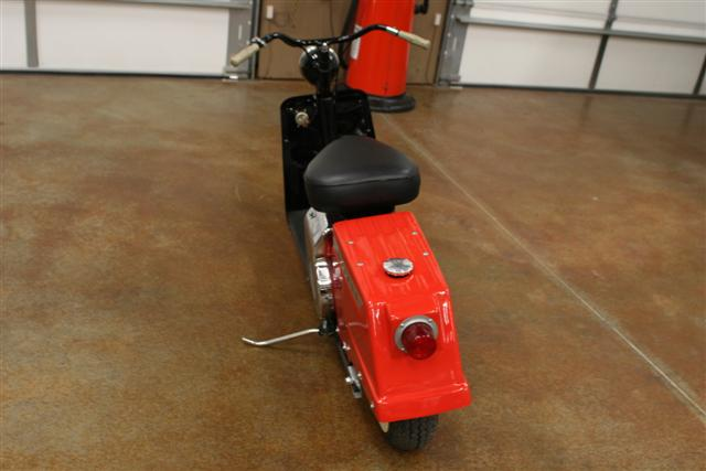 1959 CUSHMAN HIGHLANDER SCOOTER - Rear 3/4 - 75295