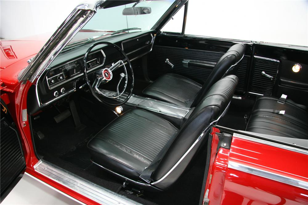 1966 PLYMOUTH SATELLITE CONVERTIBLE - Interior - 75378